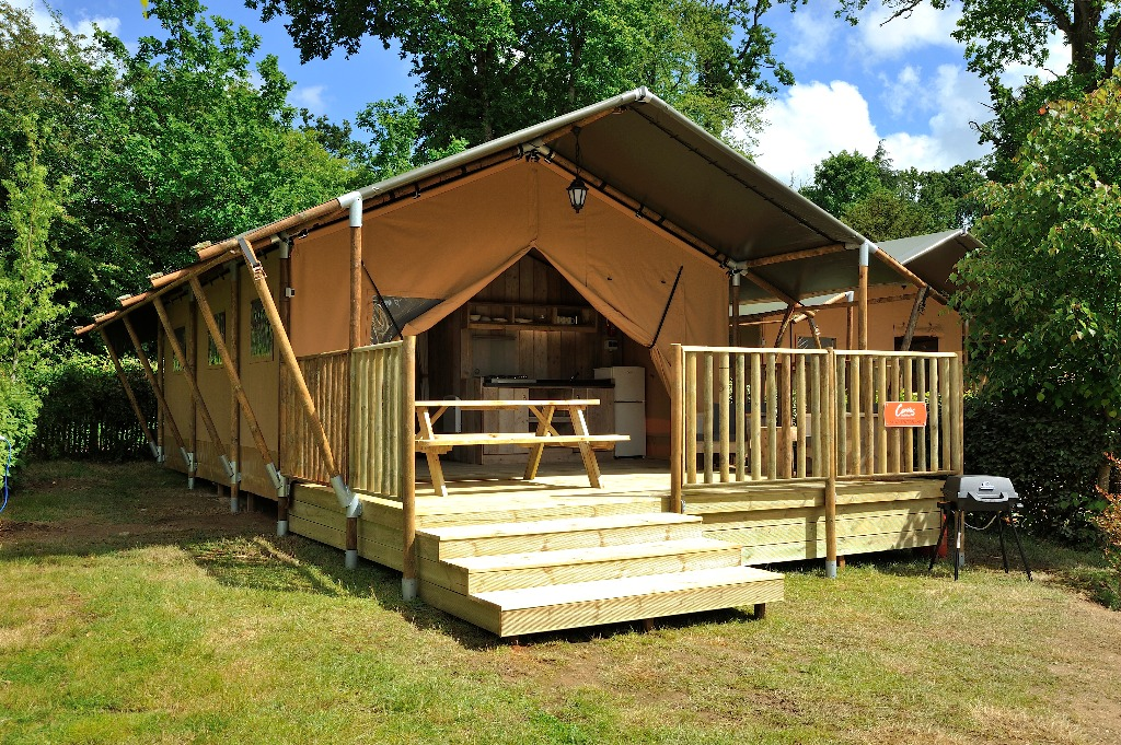 Zelt Auf Campingplatz Mieten : Poitou charentes chalet rental safari zelt auf dem
