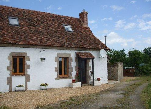 Rose Cottage Ferienhaus in Limousin mit Beheiztem Pool