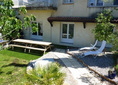 Sehr schönes Ferienhaus für bis zu 10 mit Garten und swimming-pool