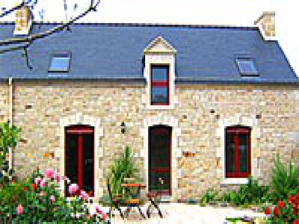 Brittany Cottage Rental Minazen Holiday Cottage In Brittany With Heated Pool