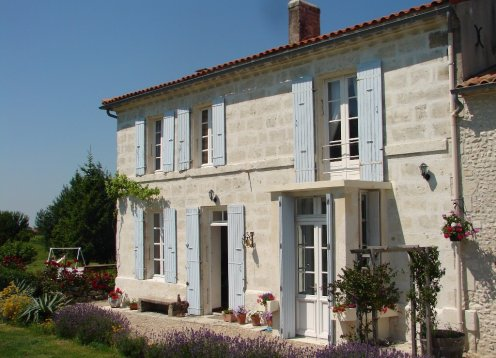 Charentais Farmhouse Close to Beaches