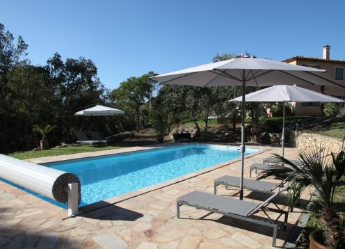 Lovely 2BD house, aircon, heated pool, quiet area with great views
