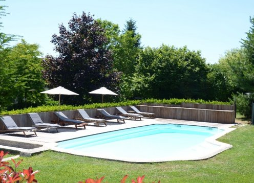 Luxurious Property and Pool Sleeps 15 in Loire Valley Village