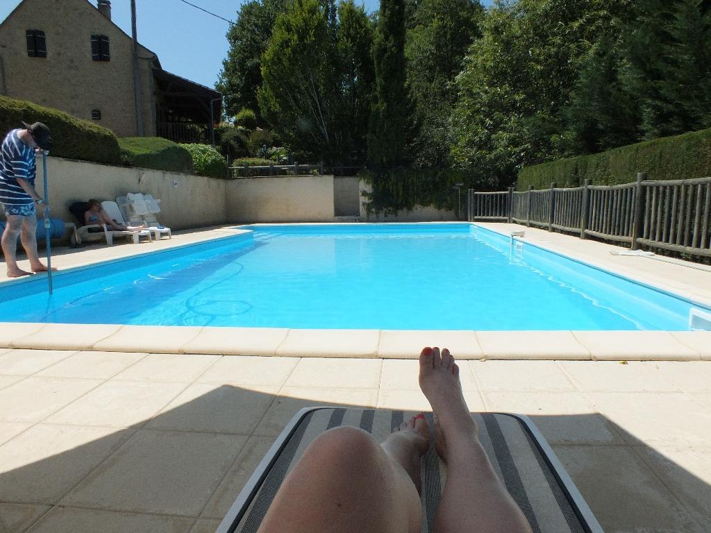 Franse boerderij met zwembad for Zwembad thuis prijzen