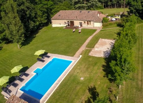 Les Gite Tournesol in de buurt van Eymet & Duras met Wifi en een gedeelde zwembad